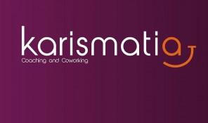 Logotipo Karismatia negativo